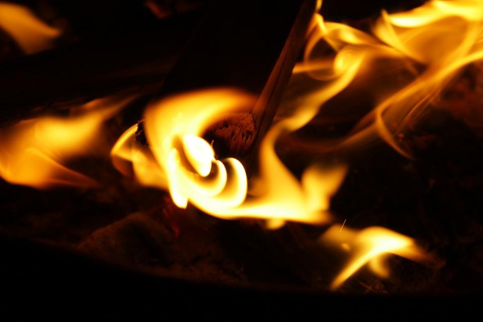 fire-836635_960_720-1